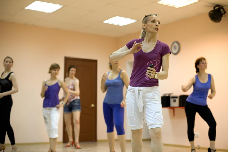 Обучение в школе танцев латина
