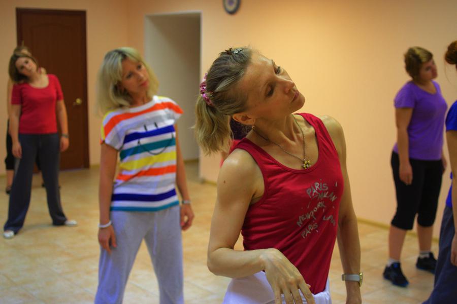 На занятиях танцами в москве