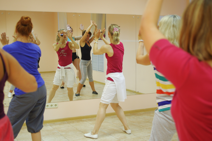 Обучение в школе клубных танцев